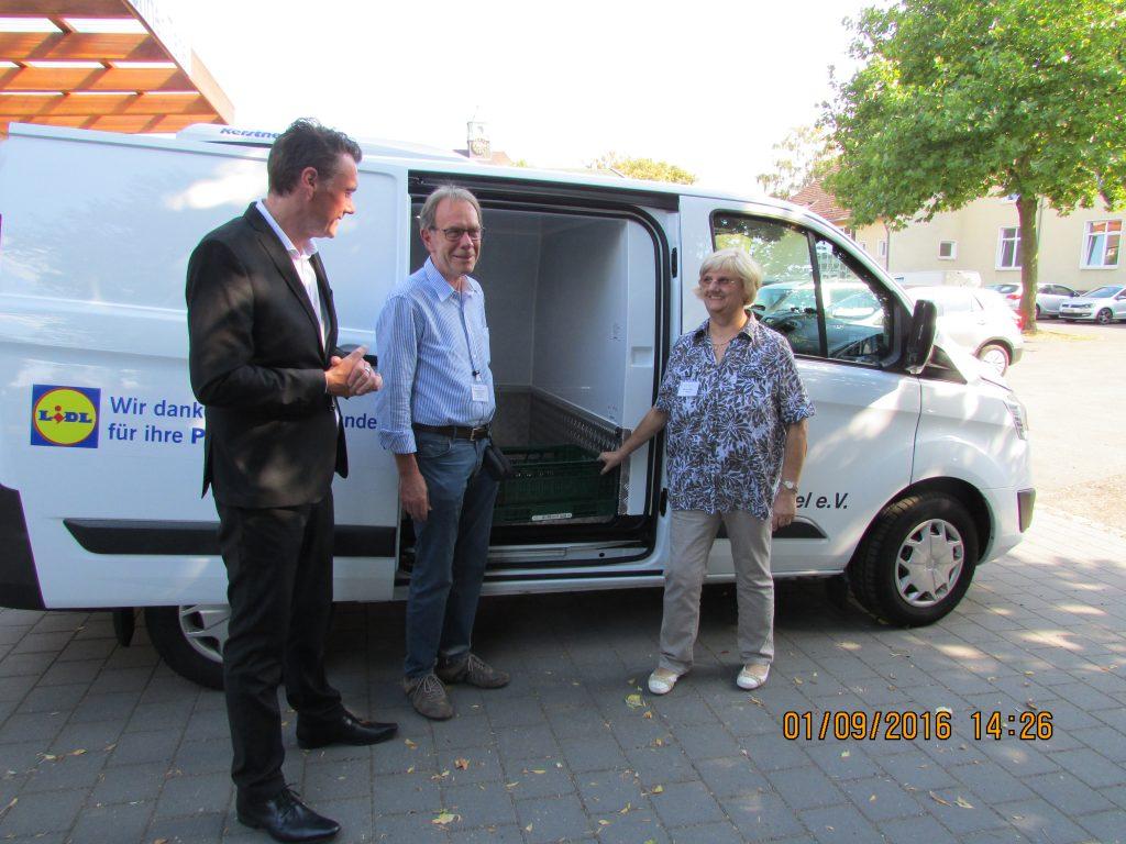 Übergabe neues Kühlfahrzeug
